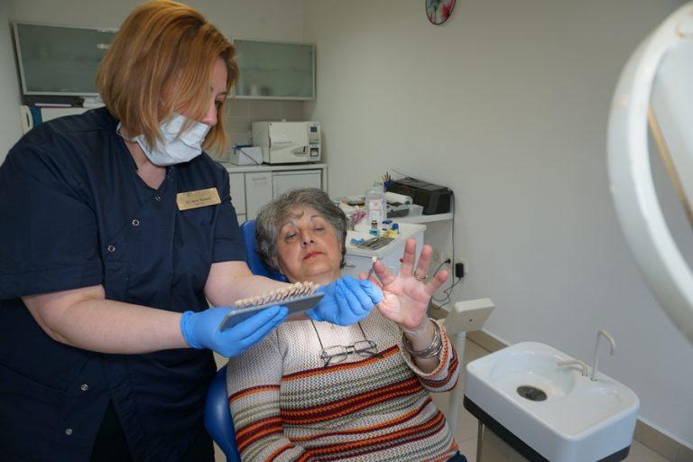 U našoj ordinaciji se uspešno nadoknađuju izgubljeni zubi